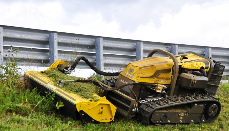 Le porte-outils RoboGreen la star du débroussaillage mécanique à Bandol (83) | 06 66 35 21 31